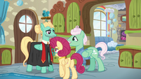 Mr. and Mrs. Shy proud of Zephyr Breeze S6E11
