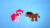 Pinkie Pie Meet Somepony New S2E18
