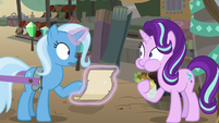 Starlight appears eating a falafel S8E19