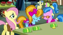 Teenage ponies pop up S2E19