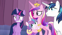 Twilight's worried expression S6E2