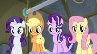 Twilight Sparkle's friends listening to her S8E7