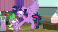Twilight Sparkle panicking at Spike S9E16