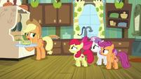 Applejack -Big Mac's not feelin' well- S9E22