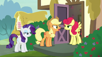 Applejack angrily confronting Strawberry Sunrise S7E9