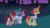 Fire Flare and unicorns using their magic S9E17