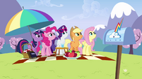Main ponies looking up at Rainbow S3E7