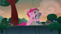 Pinkie Pie hugging Maud and Mudbriar S8E3