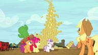 S05E06 Rozwalająca się wieżyczka ze stogów siana