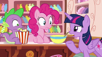 Twilight Sparkle --that doesn't sound like Rarity-- S6E22