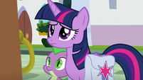 Twilight and Spike approach Dusty's old home S9E5