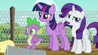 Twilight annoyed; Rarity rolls her eyes again S6E10