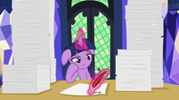 Twilight fills out princess paperwork bored S7E22