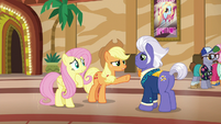 Applejack --you're better off with them apart-- S6E20