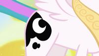 Princess Celestia still has Luna's cutie mark S7E10