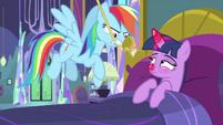 Rainbow Dash pulls on Applejack's lasso MLPS2