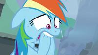 Rainbow bites her hooves in suspense S8E20