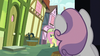 Sweetie Belle sees Fluttershy approaching S8E12