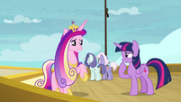 Twilight and Cadance amused by Shining Armor S7E22