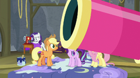 Applejack looks at Big Bertha party cannon S8E7