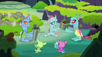 Changelings exchange gifts over and over S8E16