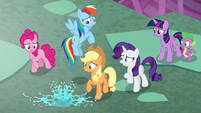 Ponies startled by giant drop of saliva S8E25