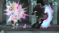 Twilight struggles with the Pony of Shadows S7E26