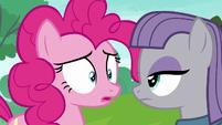 Pinkie Pie caught in her lie S6E3