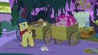 Pinkie Pie stuffing her mouth with pies S9E17
