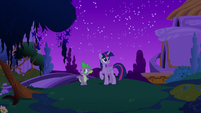 Twilight and Spike on the ground at Canterlot S5E12