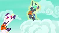 Celestia drags Luna skydiving again S9E13