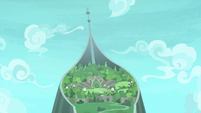 Distance view of Hippogriffia S8E6