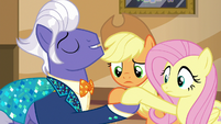 Gladmane takes AJ and Fluttershy by the hooves S6E20