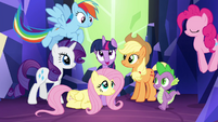 Mane 6 and Spike gather for final shot S4E26