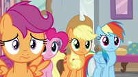 Pinkie, AJ, and Dash appear behind Scootaloo S8E12