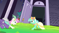 Ponies in a ballroom panic S5E7
