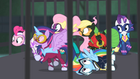 Power Ponies trapped S4E06