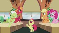 S05E20 Apple Bloom raduje się