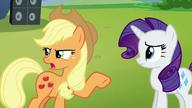 S05E24 Niezadowolona Applejack rozmawia z Rarity