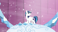Shining --Princess Cadance has decided to evacuate the city!-- S6E2