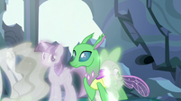 Simulated changeling walks through Spike S7E1