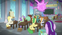 Trixie teleports something into the class S9E20