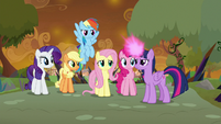 Twilight about to teleport with her friends S9E2