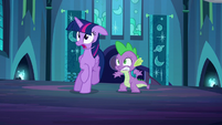 Twilight and Spike shocked at tapestry being moved S5E26