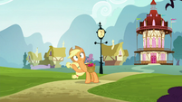 Applejack got ignored by Pinkie S5E19