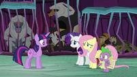 """Spike """"what do we do, Twilight?"""" S8E26"""