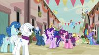"Starlight Glimmer ""where's that baking contest?"" S6E26"