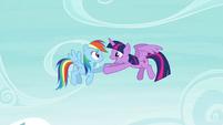 Twilight holds Rainbow's hoof S4E21