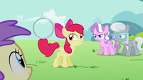 Apple Bloom holds the hoop with the tip of her tail S2E06