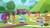 Cheer squad nervously takes the field S9E15